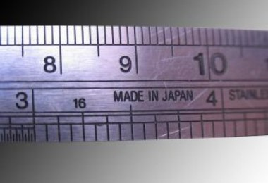 metallic-ruler_19-103716