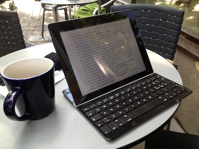 iPad 2 med Logitechs Ultrathin Keyboard Cover
