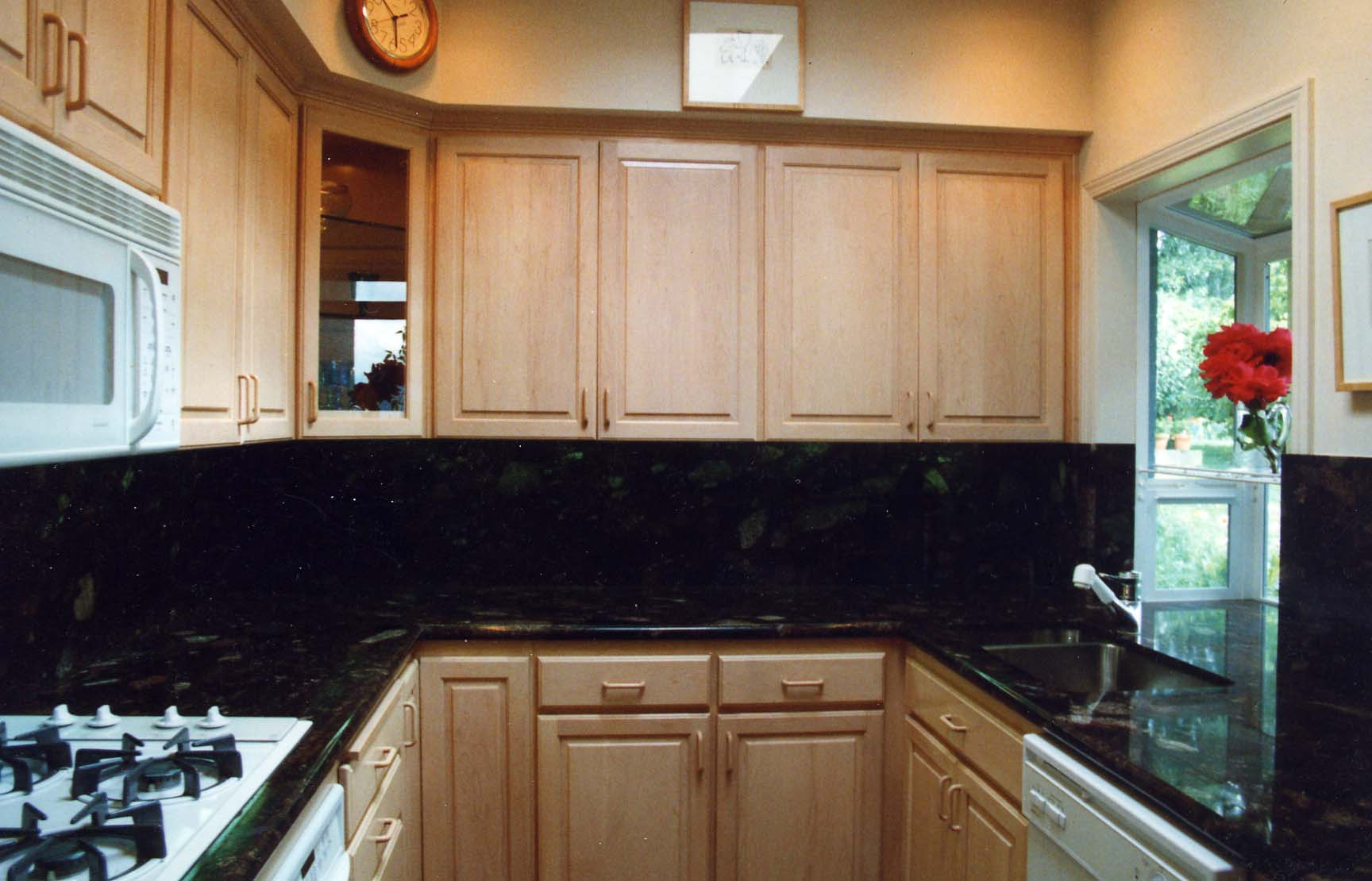 kitchenphotos kitchens with maple cabinets Gainesville Centreville Natural maple kitchen cabinets