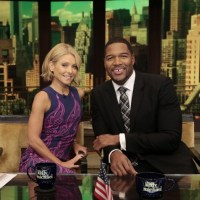 """LIVE with Kelly and Michael"" to Tape at the Disneyland Resort"