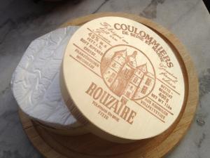 Coulommiers in Holzschachtel Weichkäse Frankreich