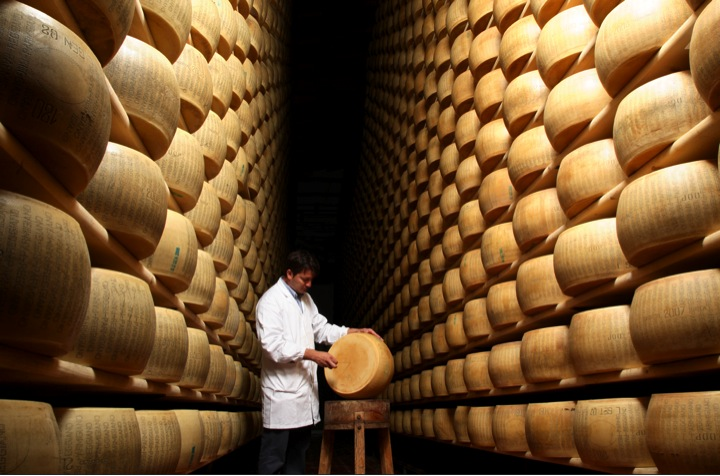 Parmigiano-Reggiano-Parmesan-Lager