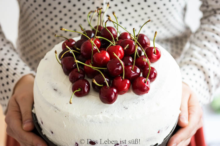 Blackforest-gateau-11