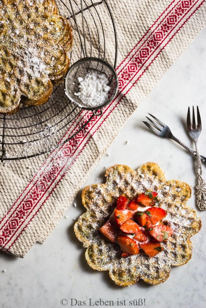 Mohnwaffeln mit Erdbeeren (144 von 174)