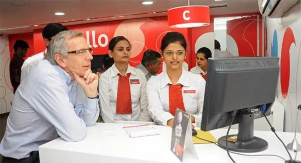Vodafone Opens 'Angel Store' retail outlet in Kerala, run only by Women Employees