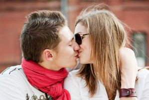 be a good kisser