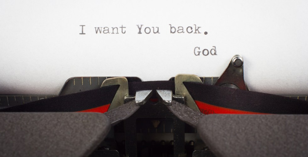 """I want You back"" written on typewriter"