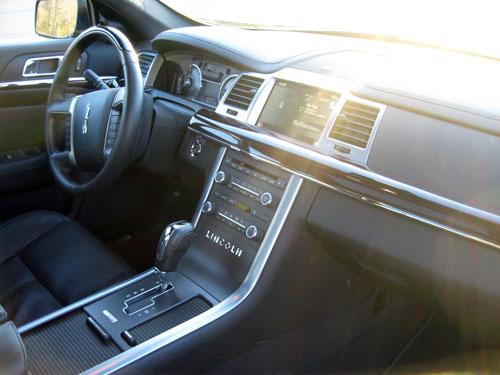 2009 Lincoln MKS interior