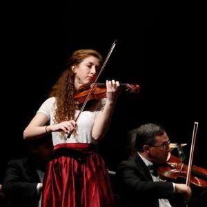 Violinist Willa Finck