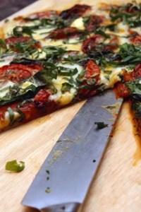 tomato basil pizza recipe