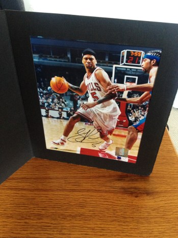 PRICELESS - Signed photo of Detroit native, Jalen Rose!