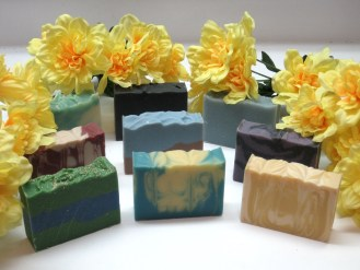 $25 VALUE - Gift bag of 4 bars of luxurious soap and 1 handmade soap saver by Farmington Soap Works