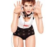 Anne-Hathaway-Shame