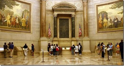 National Archives: Constitution and Declaration of Independence