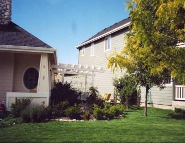 Harris Ranch - Side Yard