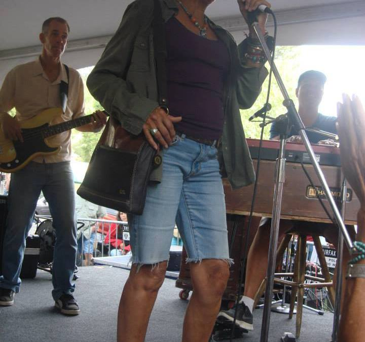 JOAN BAEZ sits in with local favorites Vinyl at Fairfax Festival 2014