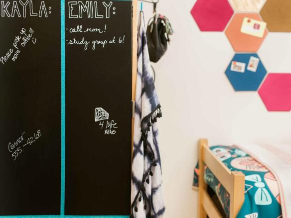 Original_HGTV-Crafternoon-Dorm-Room-DIY-Decor10.jpg.rend.hgtvcom.966.725