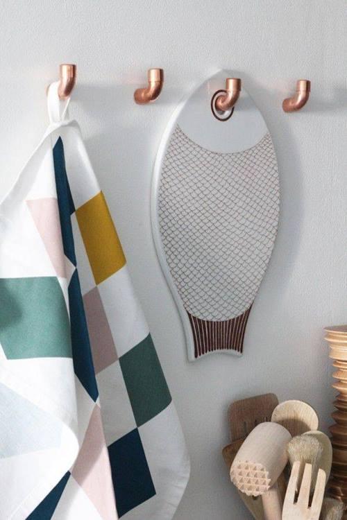 Decorar Un Baño Reciclando:Sencillos colgadores de cocina con tuberías de cobre … (foto vía