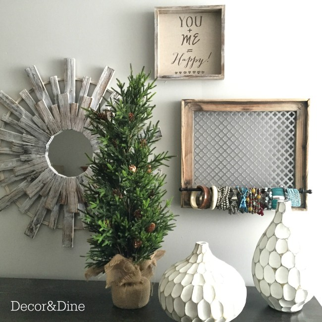 Christmas touches in the bedroom