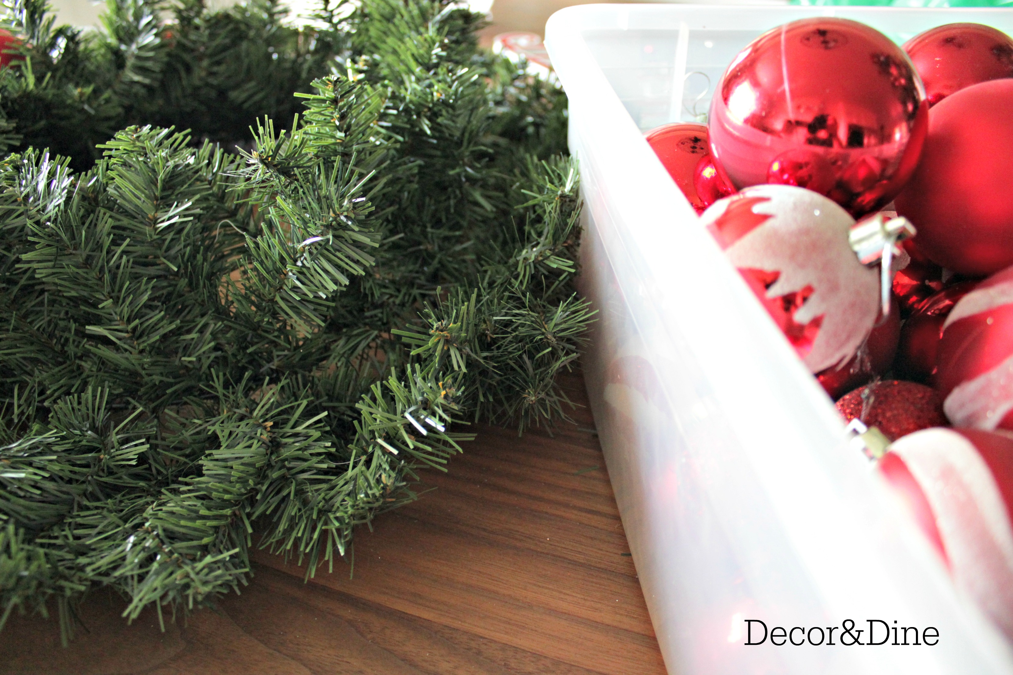 Diy christmas wreath i went with red and white because i had a bin of extra christmas balls in that colour solutioingenieria Choice Image