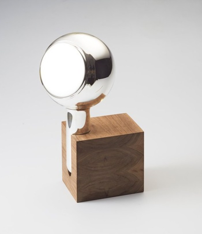 Th manufacture art de vivre et savoir faire pour le design for Argenture miroir