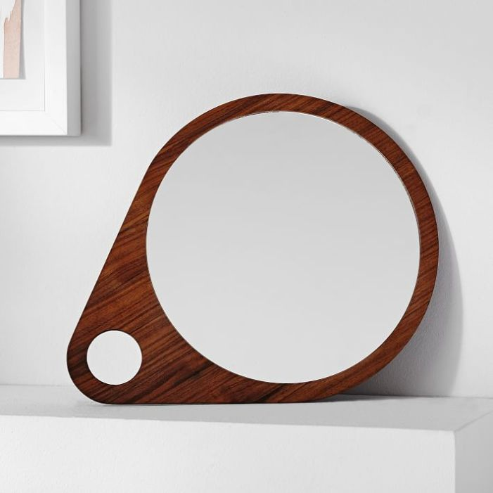Miroirs g om triques ils sont plus tendances que jamais for Accrocher miroir au mur