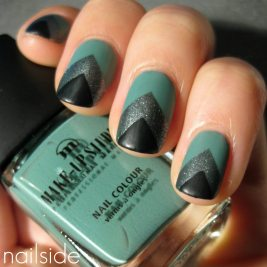 Green Art Deco Chevron Manicure