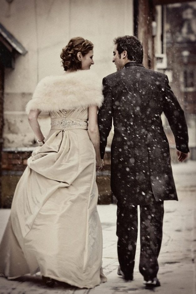 Snow Vintage Winter Wedding