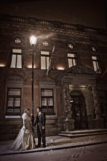 Streetlamp Vintage Winter Wedding