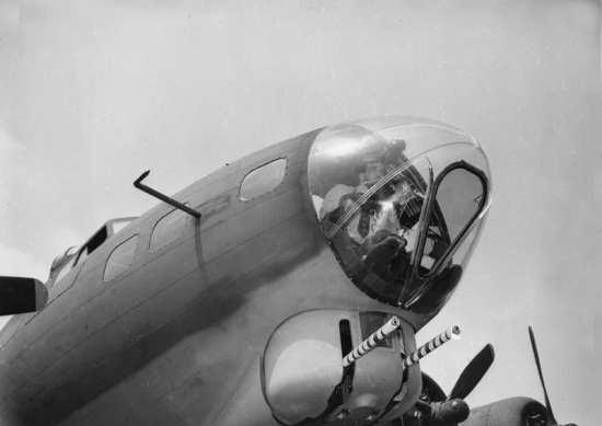 YB-40 Chinstrap