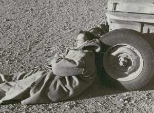 SAS founder David Stirling napping in the desert