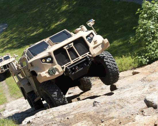 Oshkosh Defense Wins JLTV Contract