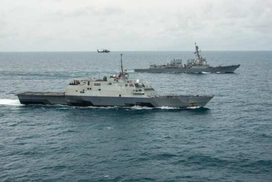 USS Fort Worth Rides Out Heavy Seas