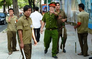 viet_police-thugs
