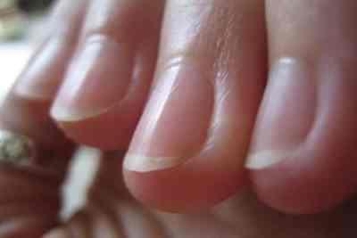 Blanquea tus uñas y dales un mejor aspecto