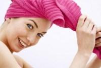 toalla 300x203 Errores en el cuidado del cabello