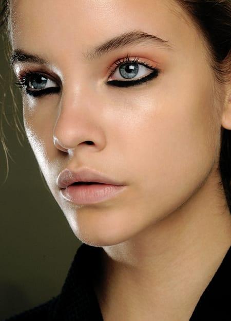 eyeliner grueso Cómo usar un eyeliner en el párpado inferior