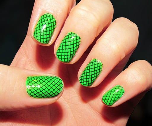 lime1 w640 h427 Este verano lucimos uñas de colores