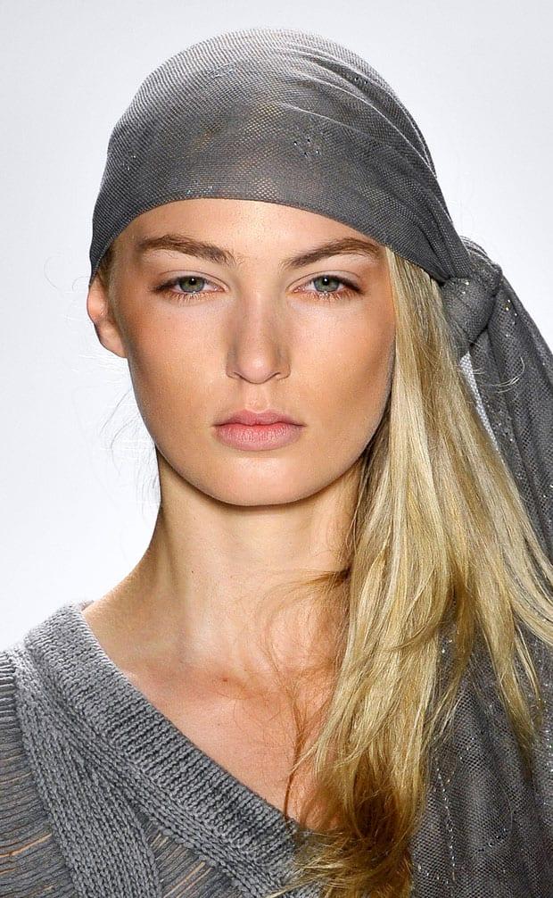 los70 Tendencias peinados primavera verano 2013: Pañuelos en la cabeza