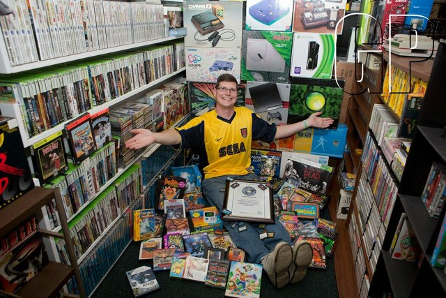141397-largest_collection_of_videogames_557a1433c