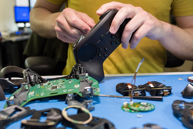 1394827128-controller-assembly