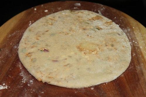 Achari paneer paratha recipe