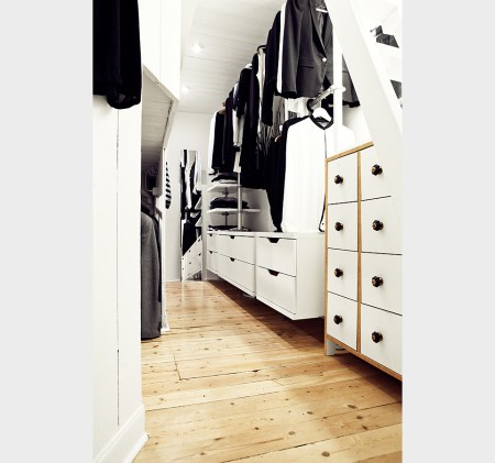 walking closet decoracin walk in closet tendencias deco 2013 blanco negro silla Philippe Stark papel de pared floral fucsia papel de pared de Cole &amp; Son papel rboles muebles ikea muebles de diseo lmparas modernas negras diseo hogar diseo de interiores decoracin vinilos posters grficos cuadros frases decoracin vinilos decoracin nrdica decoracin minimalista decoracin ilustraciones decoracin espacios pequeos decoracin escandinava decoracin diseo grfico decoracin de interiores decoracin blanco y negro cocinas modernas cocinas blancas cermica ikea boles cermina blanco y negro bao decoracin blanco y negro artculos hogar ikea 