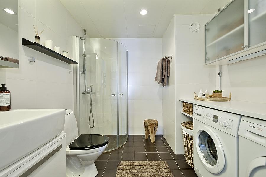 Lavander?a y cuarto de ba?o decoraci?n lavadora en el cuarto de ...