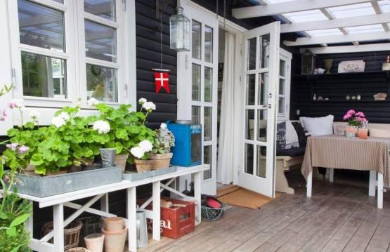 porches nórdicos La casa de la abuela danesa interiores de madera estilo nórdico campestre decoración en blanco y pasteles casas de vacaciones nórdicas casas de madera blancas casas de campo danesas blog decoración diseño nórdico