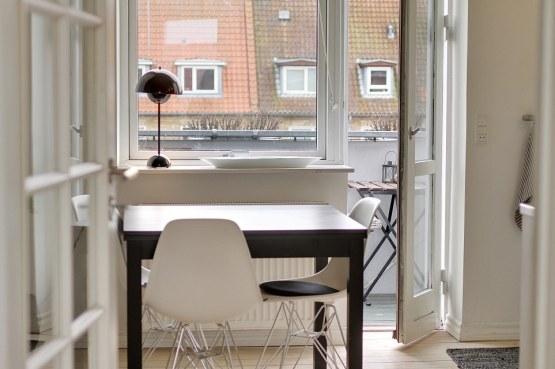 Un pequeño y moderno dúplex para dos delikatissen decoración decoración pisos áticos pequeños decoración estilo nórdico decoración con muebles de ikea decoración áticos y dúplex cocinas modernas profesionales cocinas lbnas modernas blog decoración nórdica