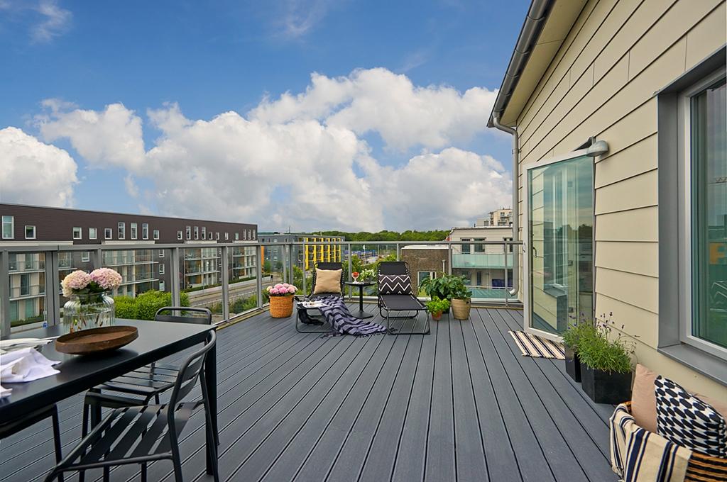 Terrazas en los pisos n rdicos blog decoraci n estilo for Terrazas minimalistas fotos