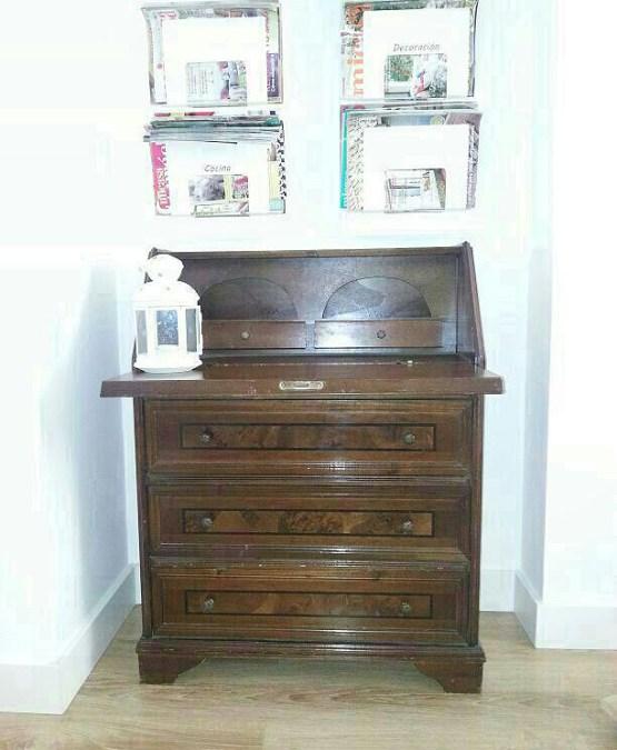 renovar muebles con pintura reformar un mueble viejo reciclar muebles Pintura para la nueva vida de un mueble antiguo muebles pintados de blanco hazlo tu mismo deco diy mueble tocador diy decoración blog decoración de interiores