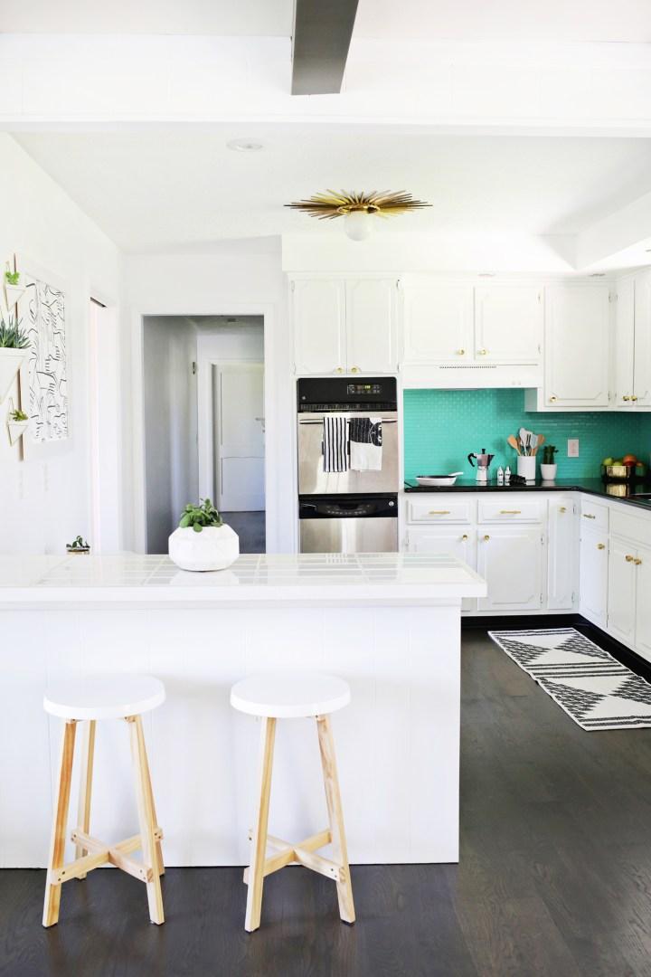 Antes despu s de cocina anticuada a moderna y brillante - Pintura para baldosas de cocina ...