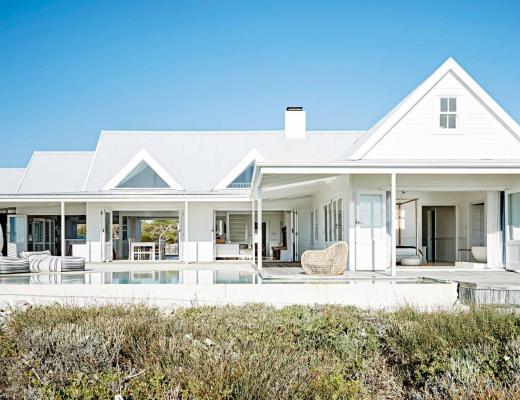 Ampliar la cocina abriendo la ventana, blog decoracion interiores, casas con piscina, decoración en blanco, diseño de exterior, inspiración casas de playa, inspiración terrazas, interiores del mundo sudafrica